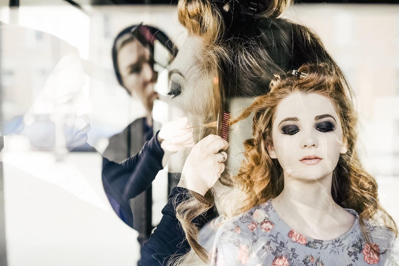 Zapachy do salonu fryzjerskiego jako propozycja zapachu do fryzjera, prestiżowego i wyróżniającego.